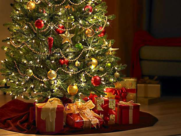 L Albero Di Natale.Perche Si Fa L Albero Di Natale Ilparanormale